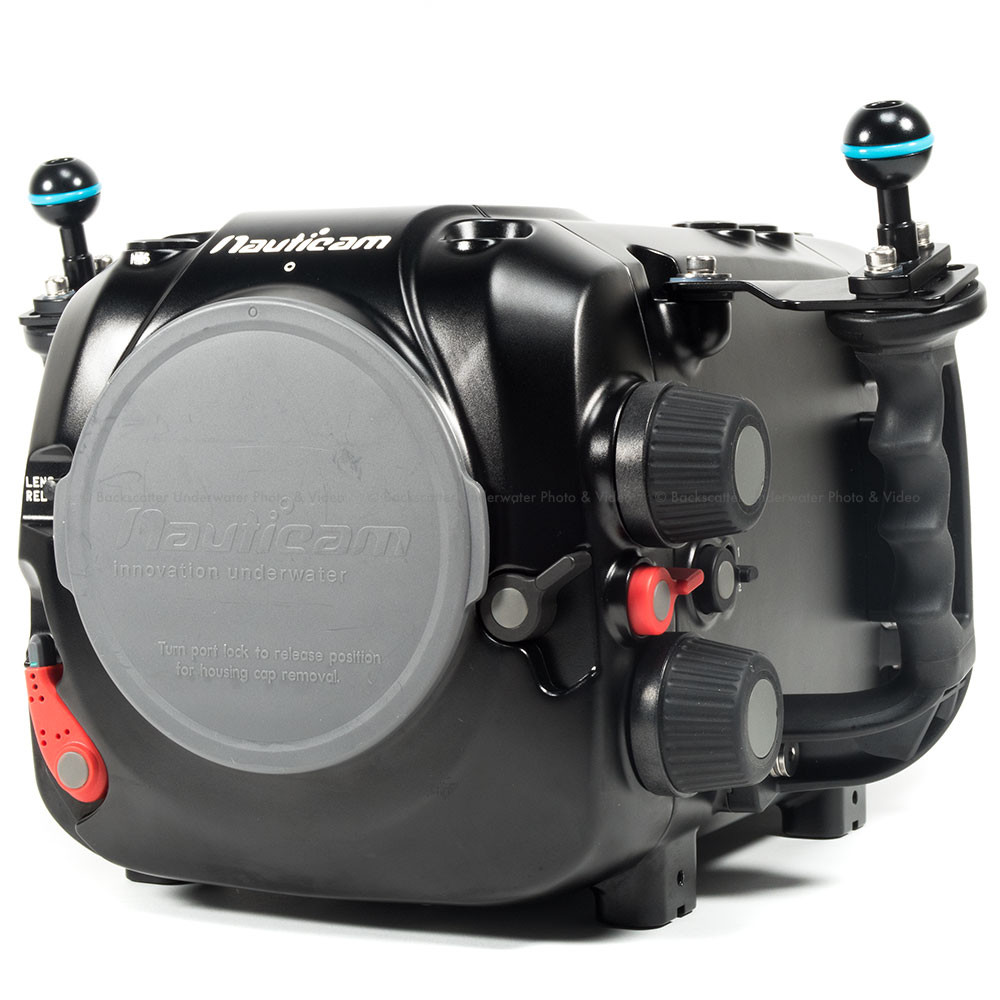 Nauticam Epic Lt with Extended Battery Pack Underwater Housing for Red Epic Dragon, Red Epic & Red Scarlet Cameras with RedTouch 5 Back