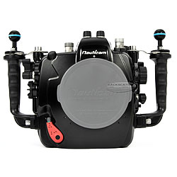 Nauticam NA-D4s Underwater Housing for Nikon D4 & D4S without bulkheads na-17214nb.jpg
