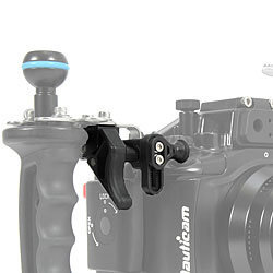 Nauticam Right Handle Bracket for NA-TG3/NA-TG4 Add the Shutter Release Extension