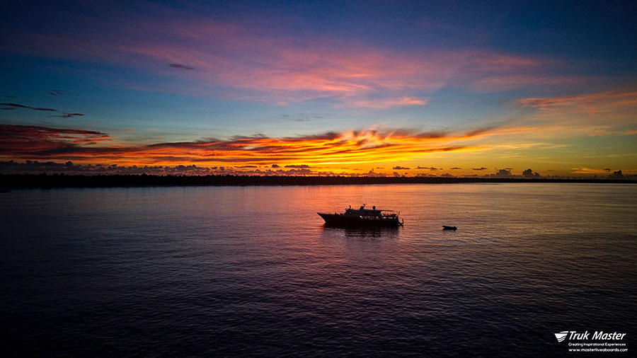 ©Truk Master - Bikini Atoll - Pacific Master - Sunrise