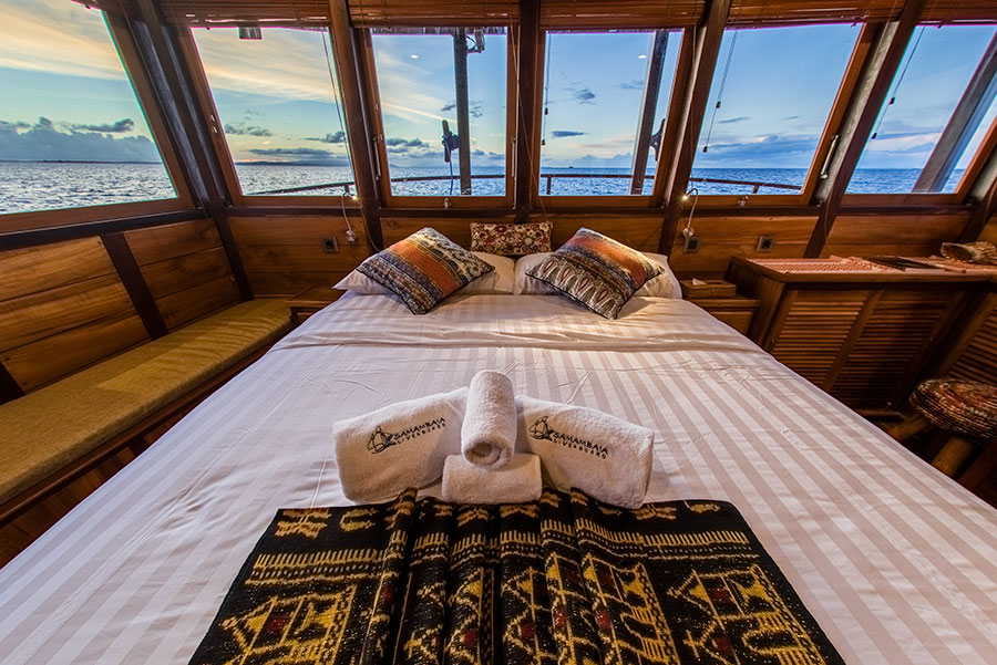 Raja-Ampat-Indo-Samambaia-master_cabin