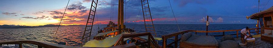 Raja Ampat, Indonesia – Dive Damai II - Panoramic